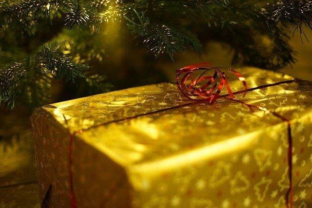 What Are Impressive And Interesting Christmas Gifts For Family